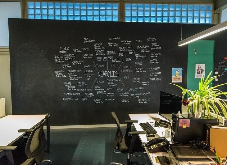 Cowork Neàpolis: una manera de compatibilitzar el teletreball i crear comunitat